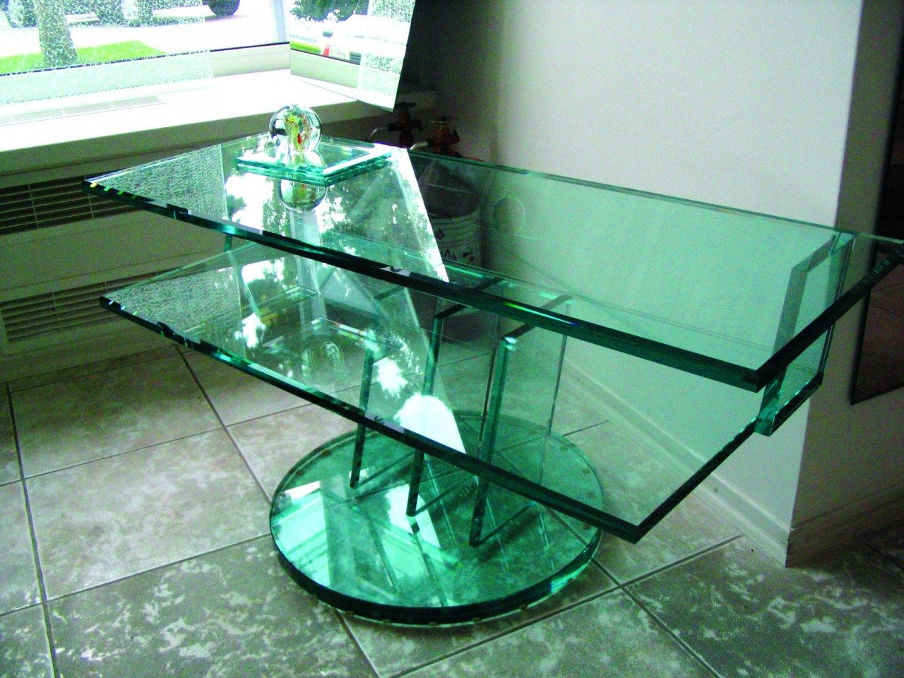 Заказать резку стекла по выгодной цене