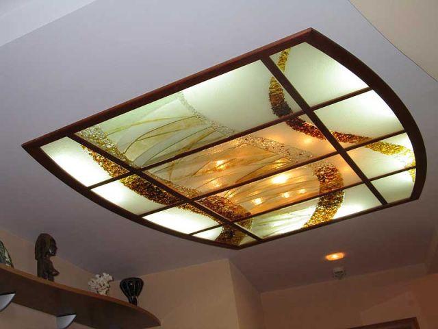 Цена на потолки из стекла