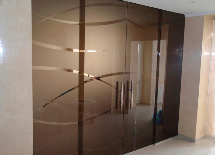 Цена на стеклянные двери