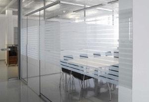 Изготовление стеклянных перегородок по доступным ценам
